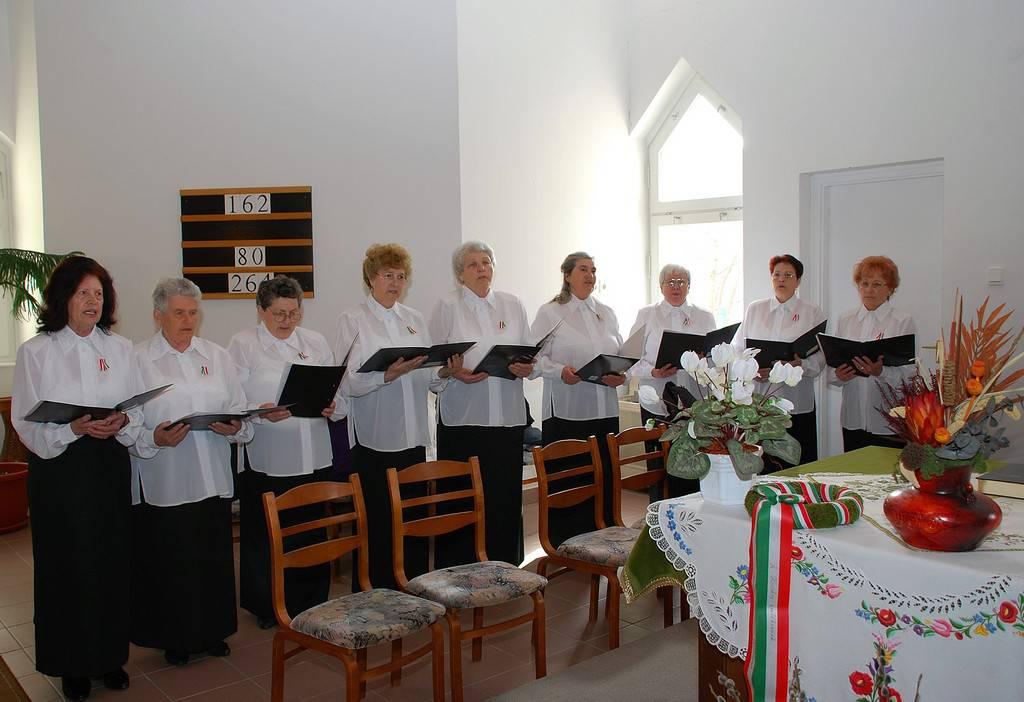 Kossuth Nyugdijas Klub ünnepi mûsora a református templomban